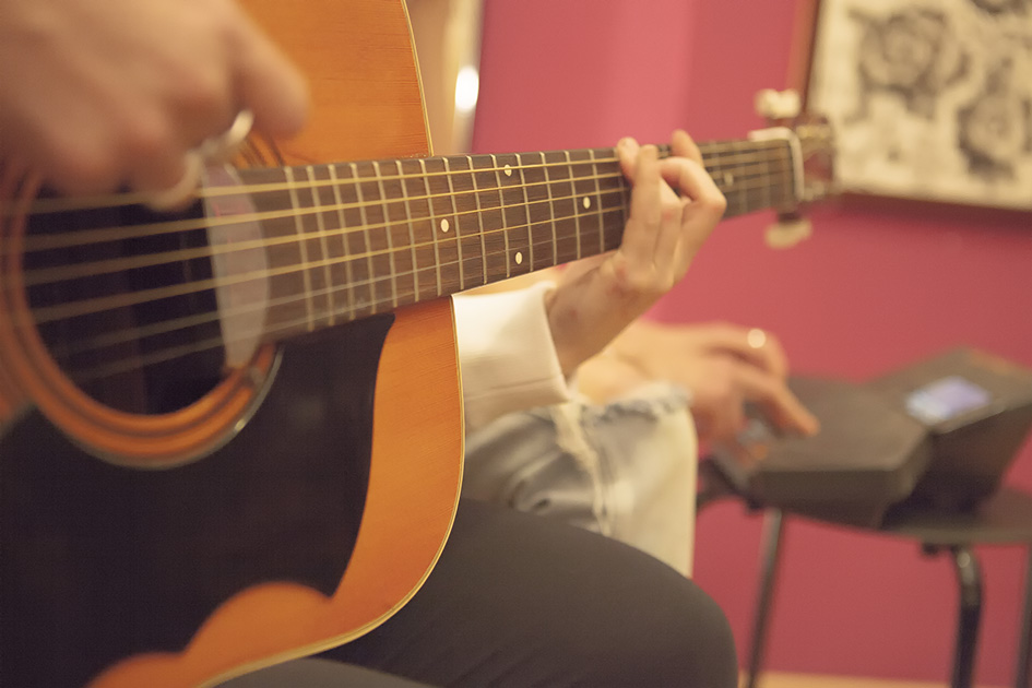 Milano Acoustics - Vuvuvultures- Tell No One
